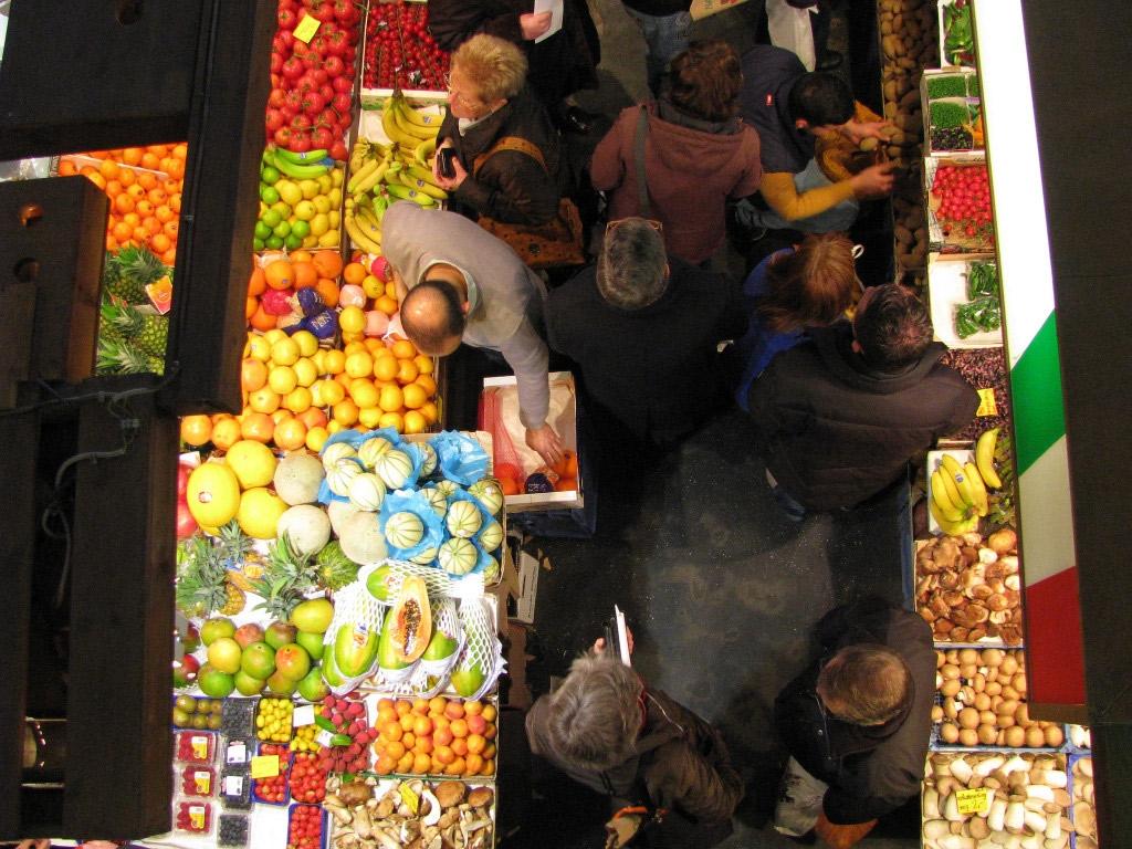 Einfach paradiesisch: die Kleinmarkthalle in Frankfurt am Main bietet alles, was das Genießerherz begehrt. (Foto: © GrrlScientist, Flickr)
