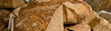 Knuspriges Pinzgauer Bauernbrot. Viel Spaß beim Nachbacken unseres Rezeptes für Brot aus Roggenmehl.