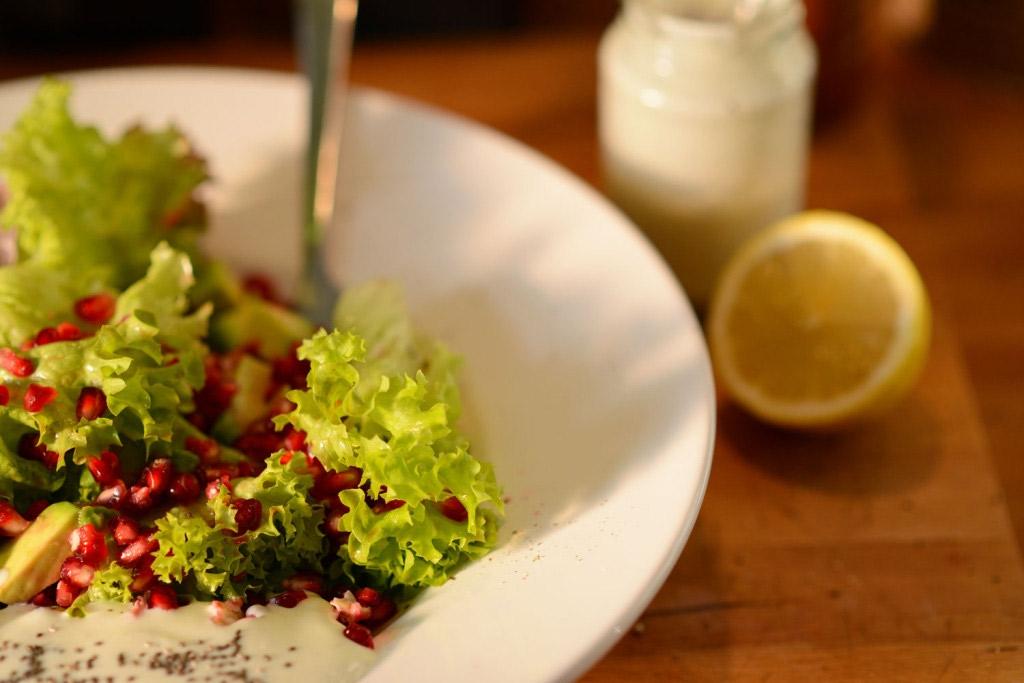 Superfoods Salat mit Granatapfel: Nährstoffreich, gesund und so lecker