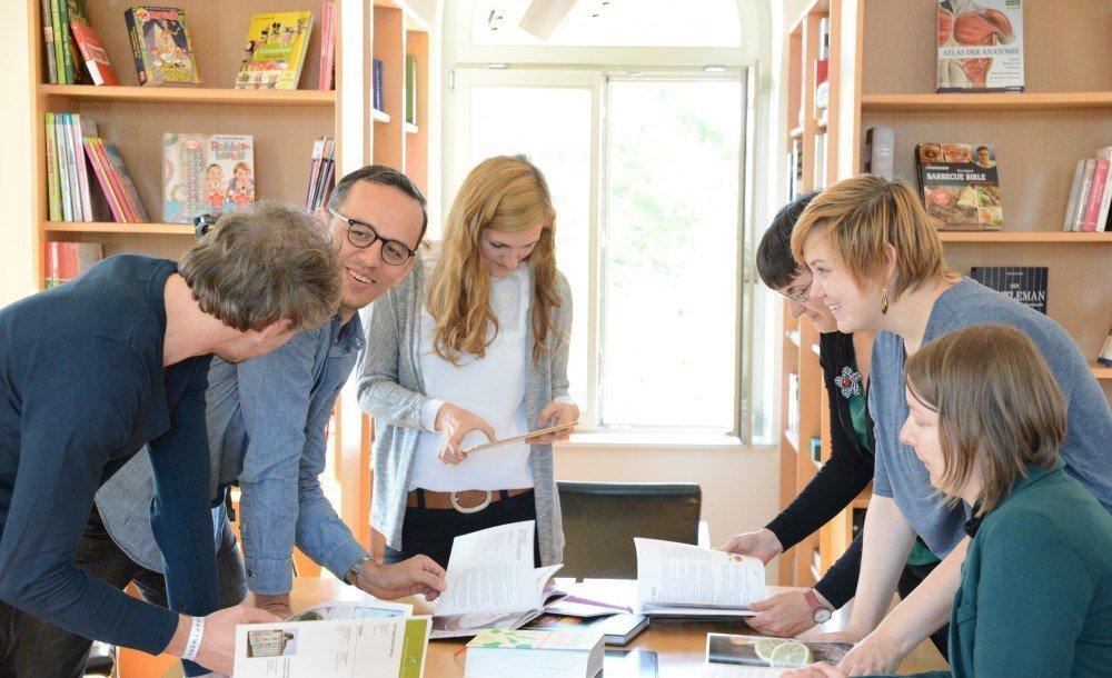 Wir schreiben über Work-Food-Balance (v.l.n.r.): Marcus, Lars, Julia, Deborah, Vanessa, Sarah
