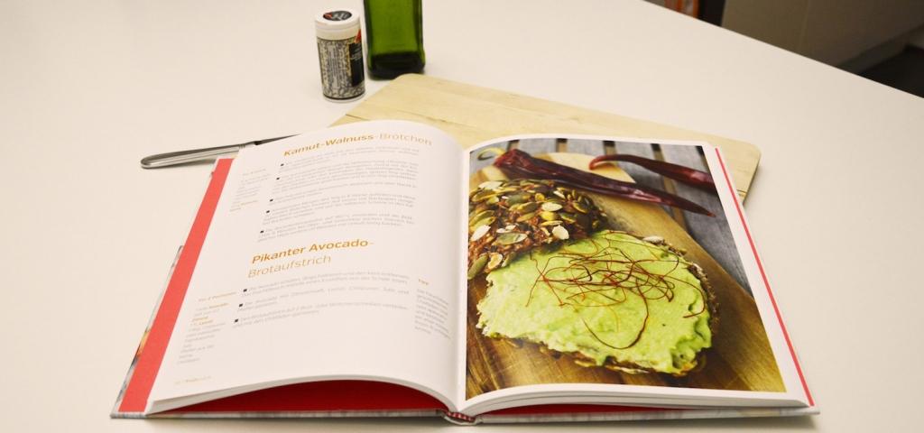 Brotaufstrich aus Avocado. Ein Rezept aus dem Buch Clean Eating - Kochen mit Superfoods.