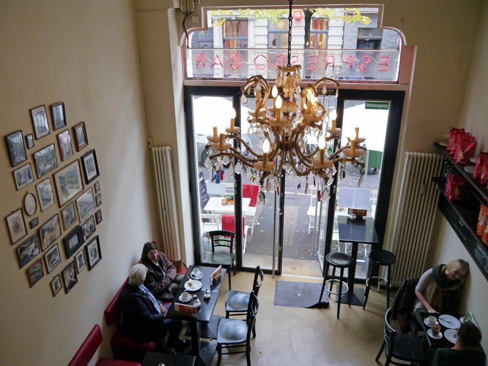 Kaffee & Kuchen in der Venloer Straße 19 in Köln.