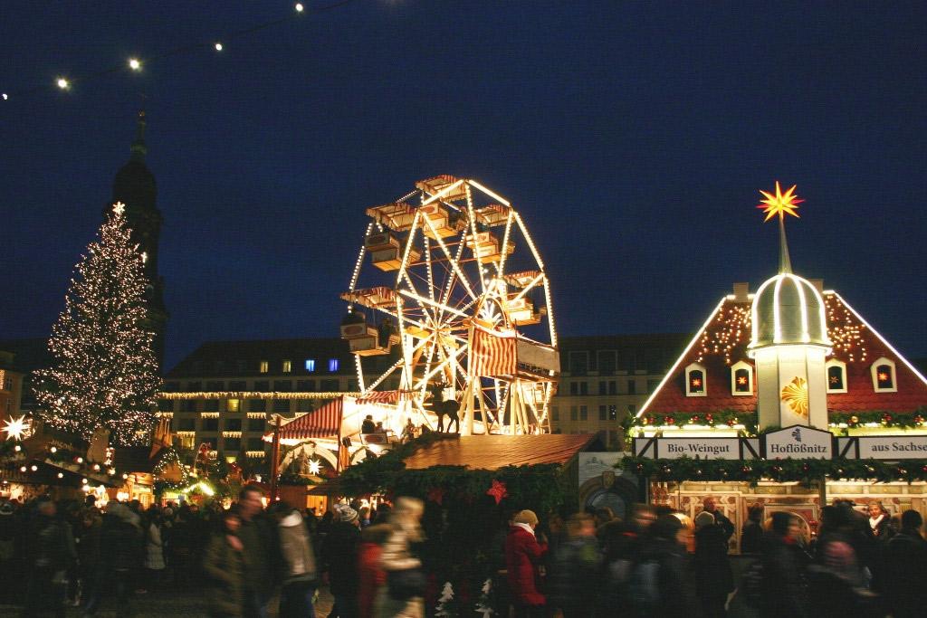 Einer der schönsten Weihnachtsmärkte in Sachsen: der Striezelmarkt in Dresden, Foto: augustus tours/Flickr