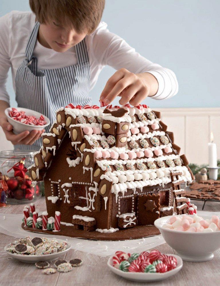 Backen zur Adventszeit als Einstimmungfür die festlichen Tage, © Stockfood/ aus dem Buch Weihnachtszeit