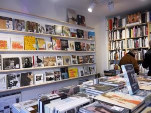 Die Kunstbuchabteilung in der Buchhandlung