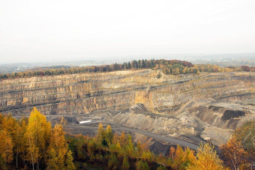 Die Aussichtsplattformen bieten spektakuläre Aussichten in den Steinbruch und über das Osnabrücker Land.