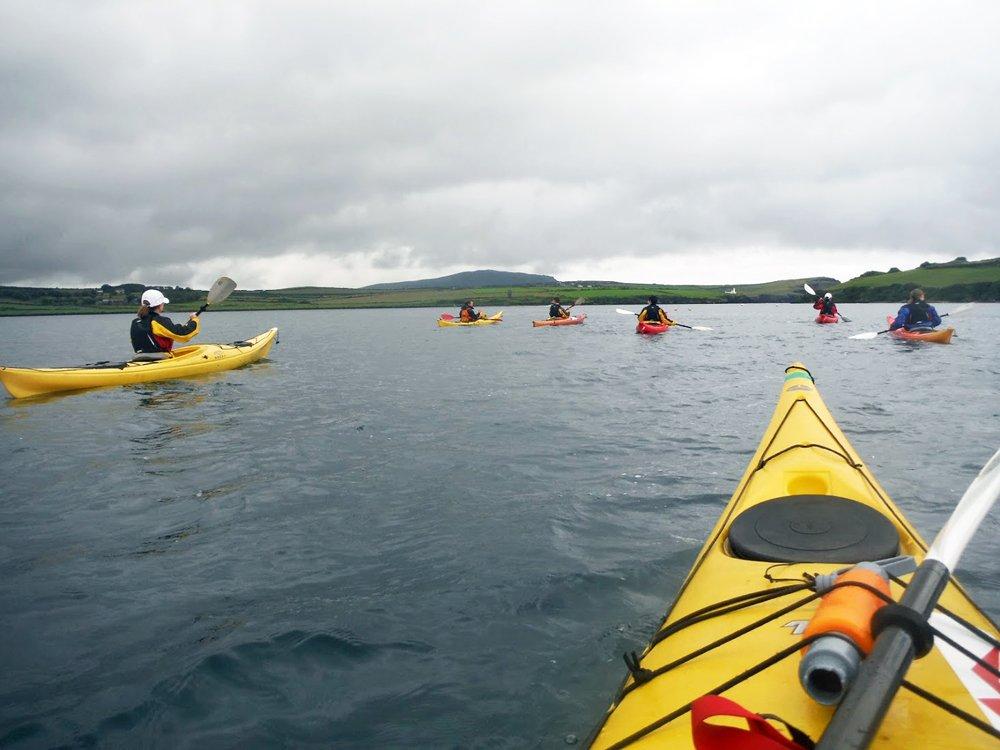 Die Ruhe vor dem Sturm: Abenteuer-Kajaktour in der Dingle Bay