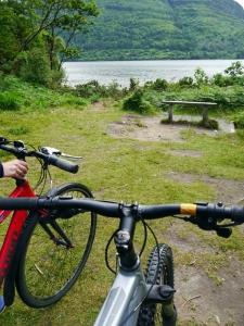 Irlands grüne Natur mit dem Mountainbike erkunden