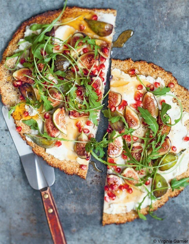 rezept tipp der woche blumenkohl pizza mit ricotta und feigen. Black Bedroom Furniture Sets. Home Design Ideas