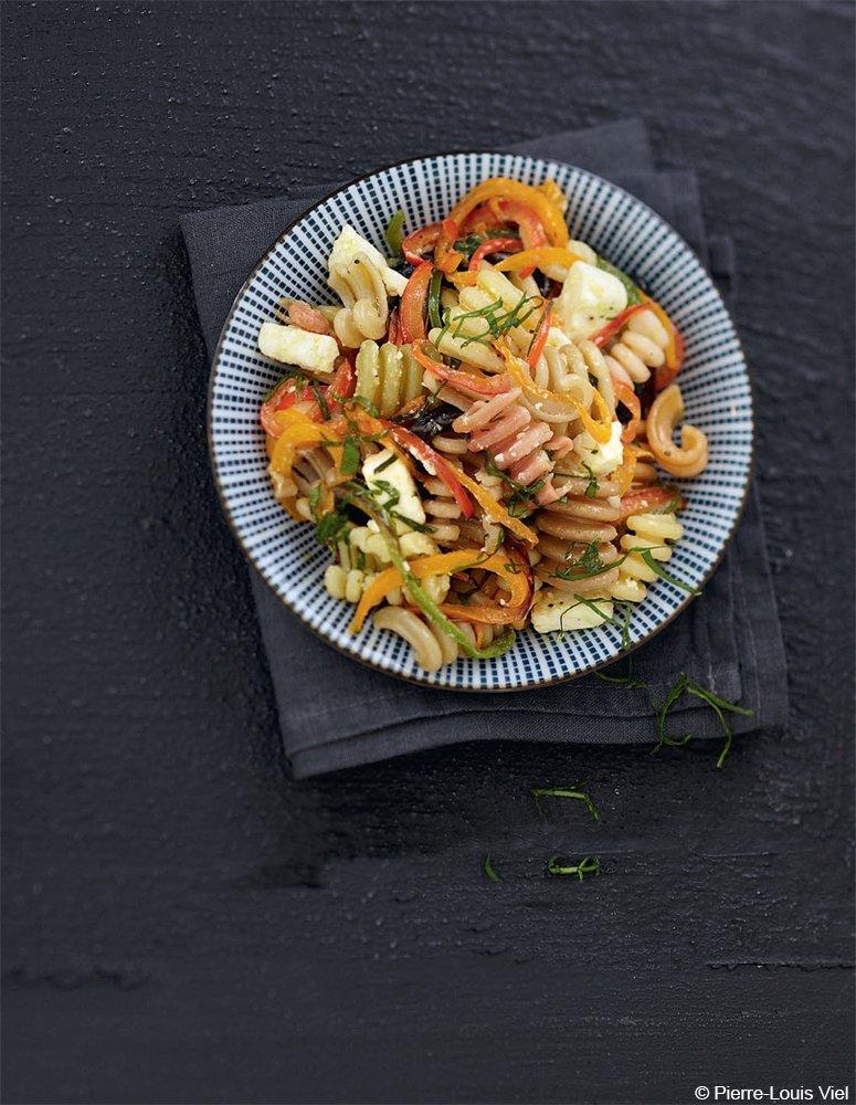Dondolini-Salat mit gegrillten Paprika und Feta