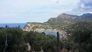 Mallorca-Urlaub im Nordwesten der Insel: Blick auf Port de Sóller