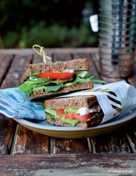 Projekt Zuckerfrei - Rezept: Sandwich mit Avocado-Basilikum-Mayo